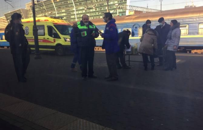 «Нас не выпускают из поезда»: брянец о мерах предосторожности из-за коронавируса