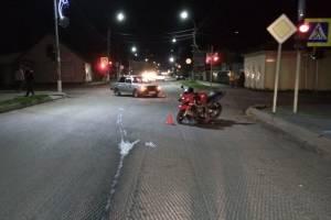 В Погаре 31-летний байкер сломал бедро в столкновении с легковушкой