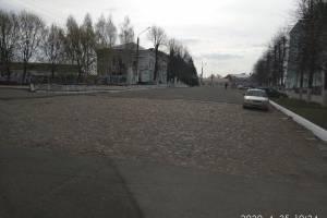 Новозыбковцы просят закатать в асфальт «брусчатку» в центре города