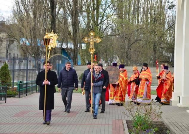 В Брянске прошел Крестный ход с дореволюционной иконой