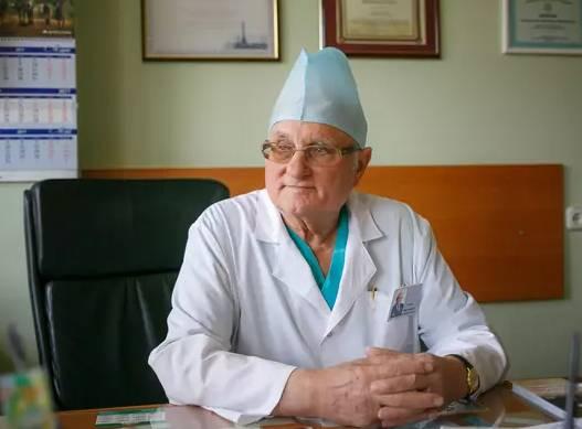 От коронавируса умер известный нейрохирург из Брянска