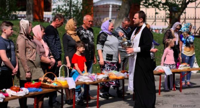 В Брянской области пасхальные куличи освятят в пекарнях