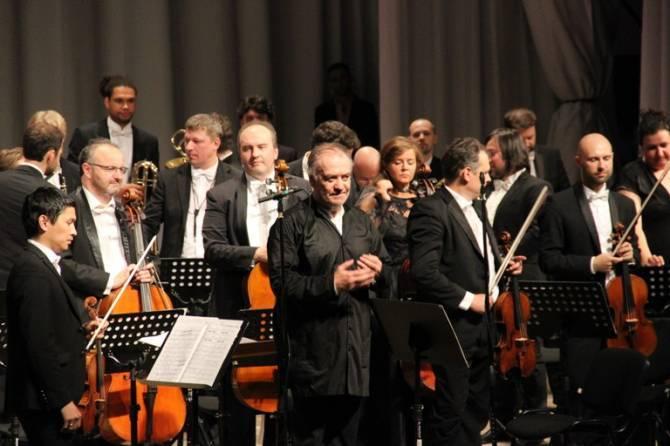 В Брянске выступил Валерий Гергиев с оркестром Мариинского театра