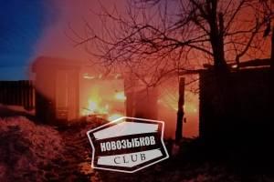 Ночью в новозыбковском селе потушили крупный пожар