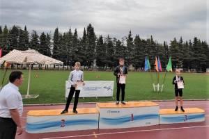 Юный брянец взял «серебро» на соревнованиях по легкой атлетике в Сочи
