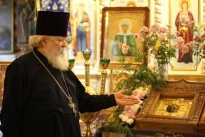 Брянский Владимирский храм обрел святую икону с мощами