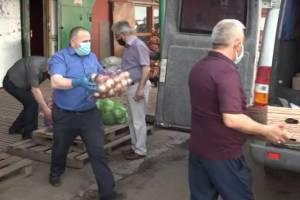 В Брянске торгующие на рынке азербайджанцы пожаловались на низкие доходы