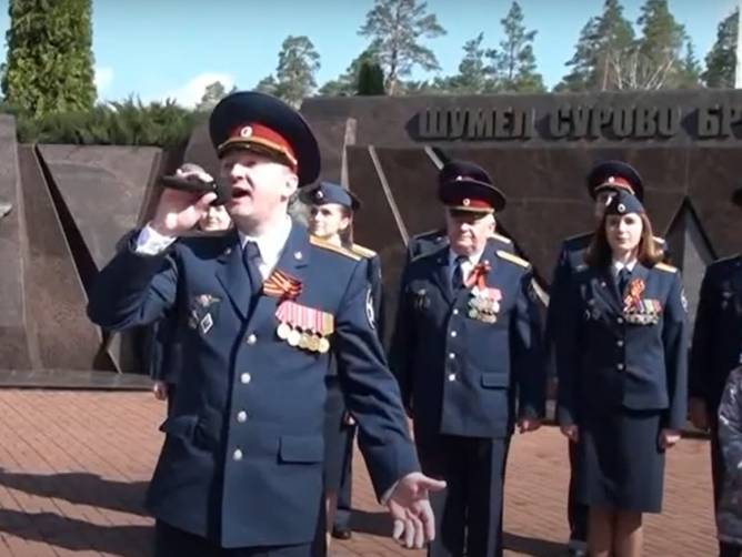 Брянские сотрудники УФСИН спели «Майский вальс»