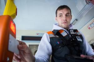 В Брянске водитель маршрутки №46 бесплатно довез юного футболиста