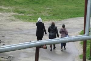 В Новозыбкове три цыганки попытались обокрасть 90-летнего старика