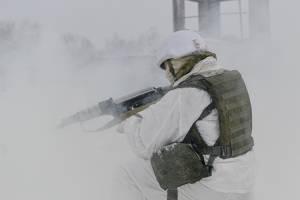Брянские военные освоили современные автоматы Калашникова