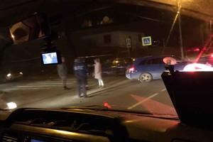 В Брянске у ДК Горького столкнулись две легковушки