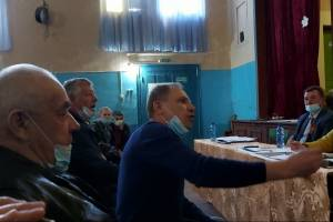 Жители Почепского района выступили против свинарников «Мираторга»