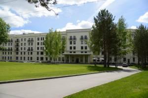 В Жуковке начали ремонтировать двор по улице Карла Либкнехта