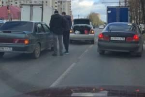 На Московском проспекте Брянска столкнулись автомобили
