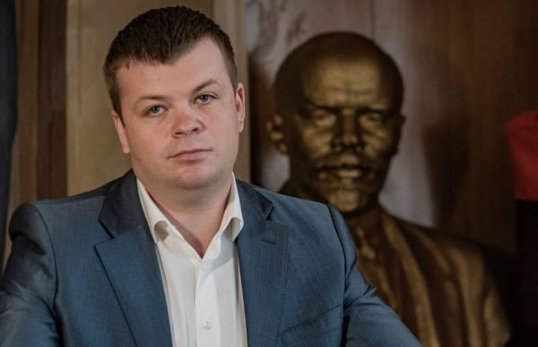 Лидера брянских коммунистов Архицкого обвинили в кумовстве
