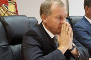 Брянского мэра Александра Макарова пожурили за убогие дороги