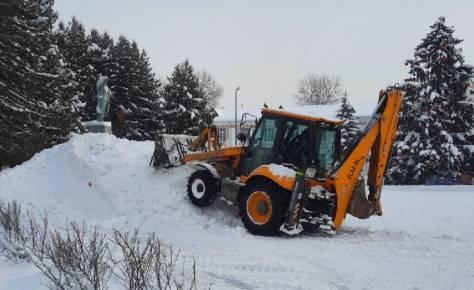 В Белых Берегах у Дворца культуры появилась снежная горка