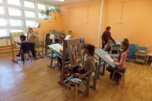 В Унече после ремонта открыли художественную школу
