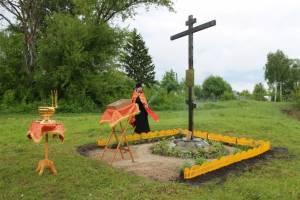 В брянском селе Алымова освятили памятный крест на месте разрушенного храма