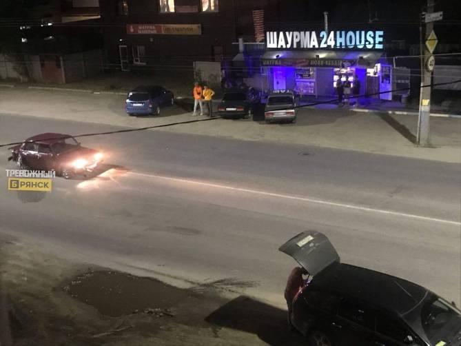 В Брянске на улице Северной столкнулись иномарка и «Ваз»