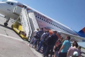 В Брянске самолет не смог взлететь из-за неисправности в двигателе