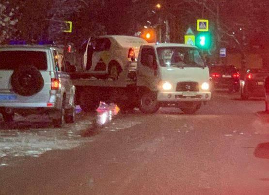 В Брянске смертельную аварию устроил таксист на летней резине