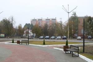 В Брянске отремонтировали площадь перед ДК Медведева