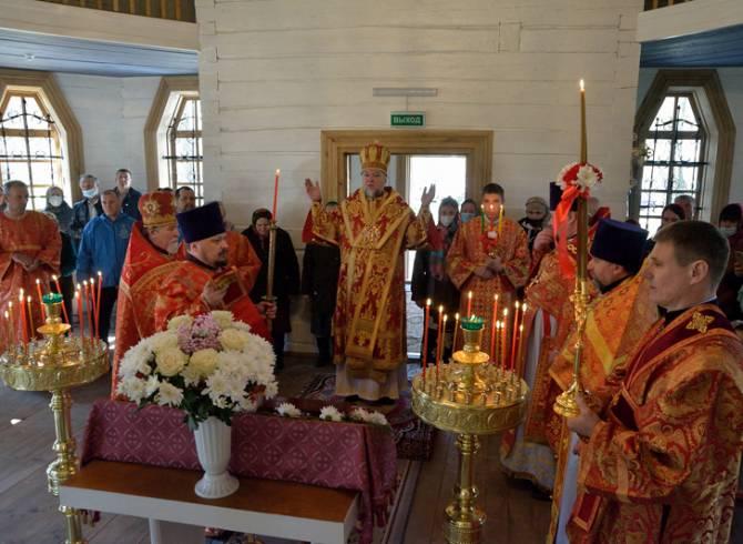 В брянском селе Луговец освятили храм в честь Святителя Николая