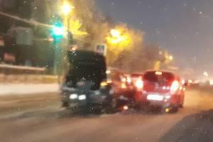 В Брянске на Станке Димитрова в ДТП попали две легковушки
