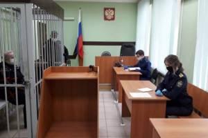 В Брянске опекуна девочки-маугли осудят сразу по 3 статьям УК