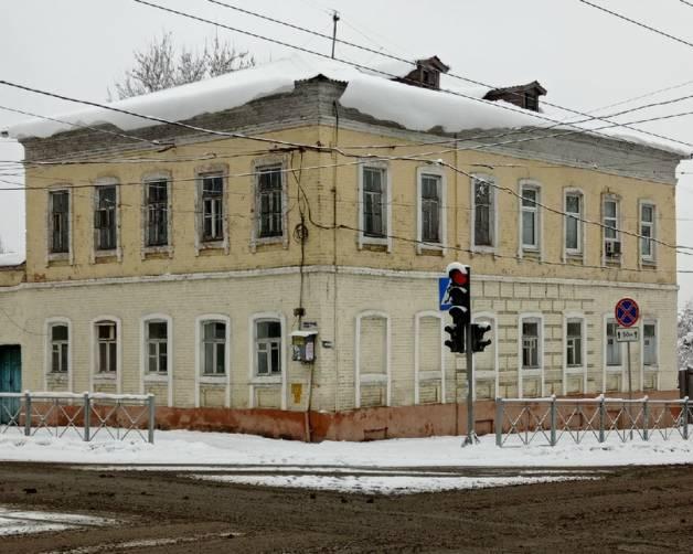 Брянцев предупредили об опасности обвала снега с крыш