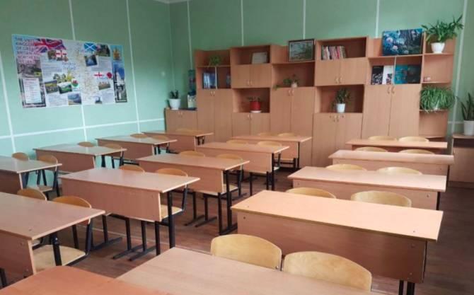 В Жирятинской школе закупили мебель по завышенной цене