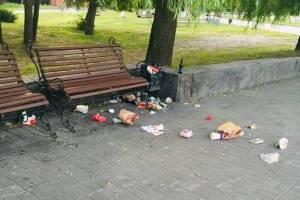 На Кургане Бессмертия брянцы устроили мусорный апокалипсис