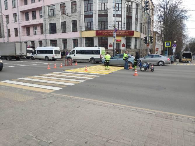 В Брянске обновили дорожную разметку на проспекте Ленина