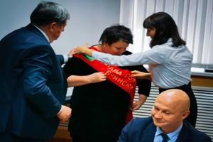 На Марину Дбар повесили ленточку главы города Брянска