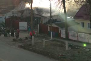 В Брянске загорелся автосервис возле магазина «Снежка»