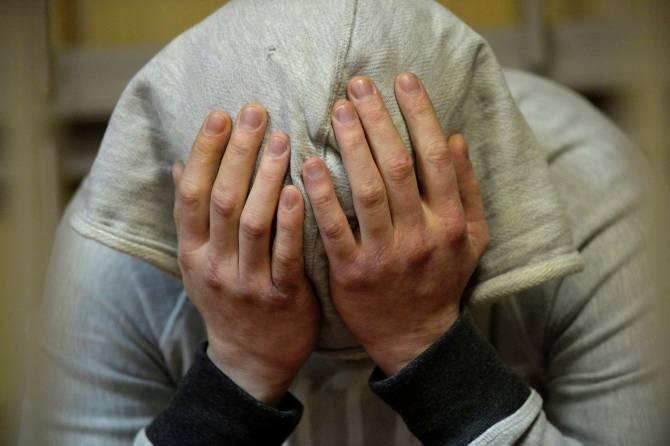 Житель Дубровки ответит в суде за продажу наркотиков и кражу телефона
