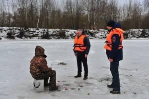 В Брянске рыбака наказали за отсутствие жилета