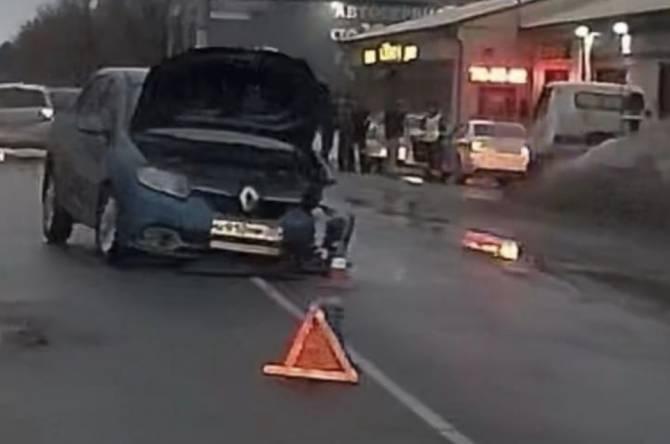 В Брянске на Речной разбились две легковушки
