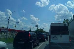 В Брянске на проспекте Станке Димитрова дорожники устроили пробку