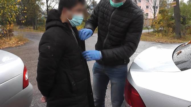 Брянская полиция задержала двух иностранцев с крупной партией героина