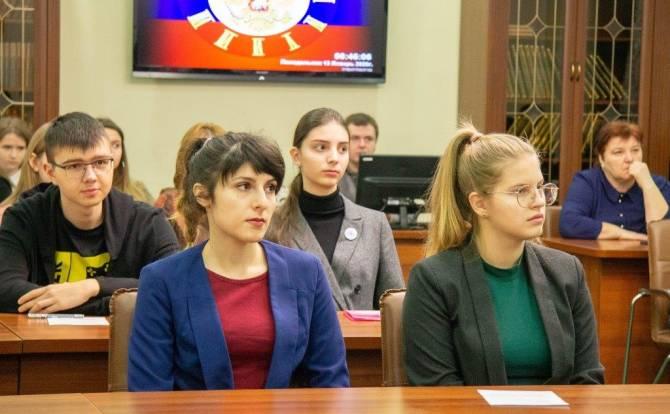 В Брянске начался региональный этап Всероссийской олимпиады по русскому