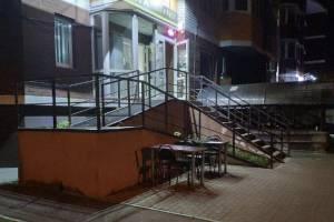 В Брянске ночью «наливайки» превращаются в летние веранды