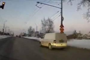 В Брянске возле «Аэропарка» водитель Volkswagen проехал на красный
