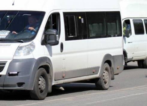 В Брянске маршрутчик высадил пассажира из-за 1000 рублей